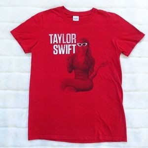 Woman Taylor Swift RED Tour 2013 Small Graphic Tee